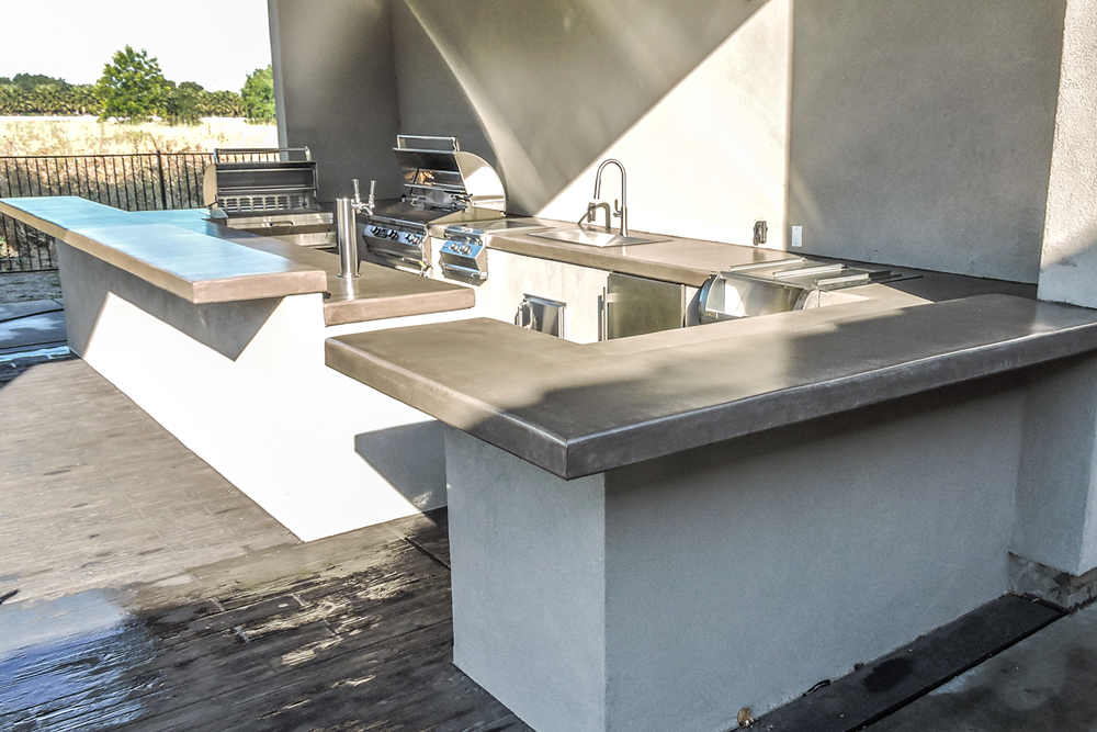 Modern Outdoor Kitchen Sacramento