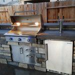 Cultured Stone Modern Outdoor Kitchen - Roseville